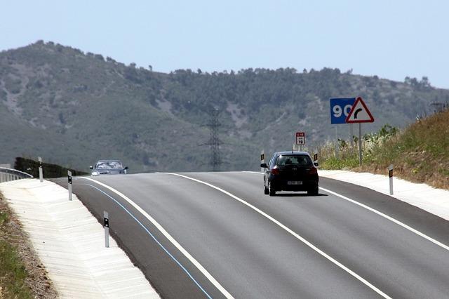 road-546155_640